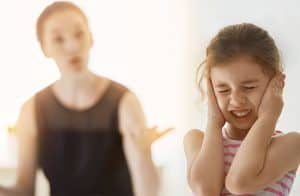 10 Hal Yang Harus Dihindari Dalam Mendidik Anak